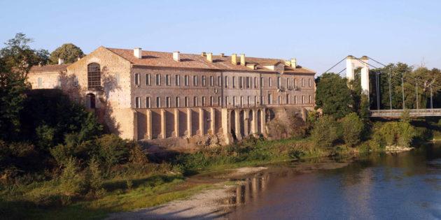 L'abbaye de Belleperche en bord de Garonne et son musée des arts de la table