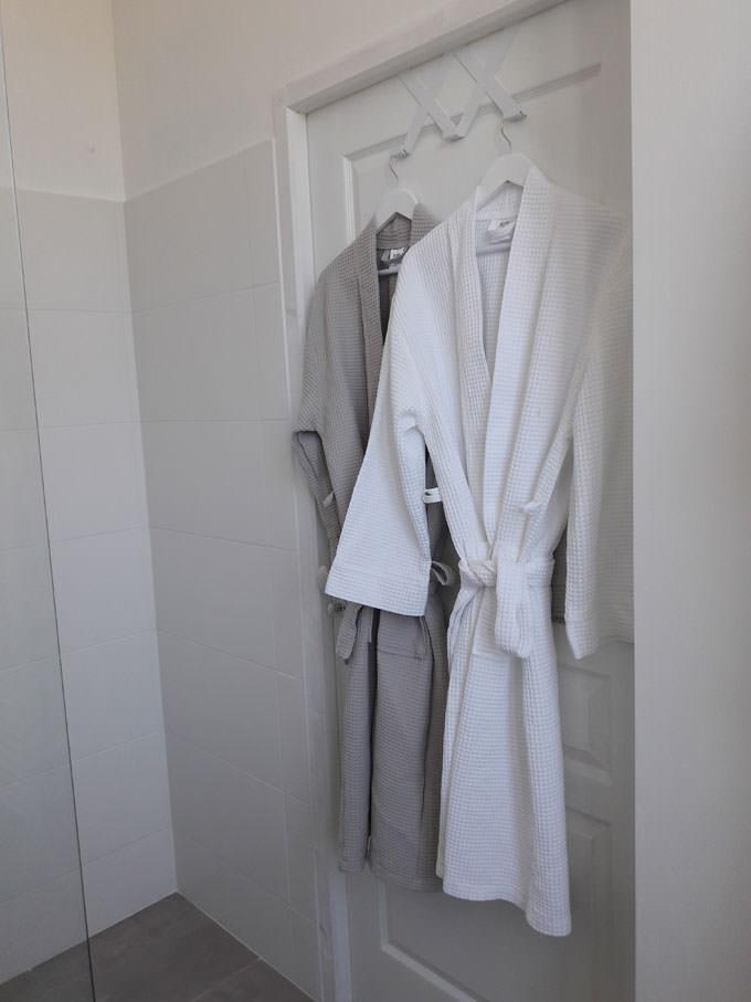 peignoir bnb salle de bain