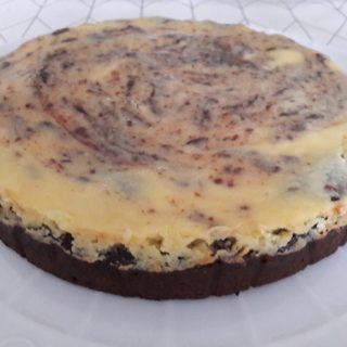 Cheesecake chocolat et vanille en dessert de la table d'hôtes au coeur des éléments