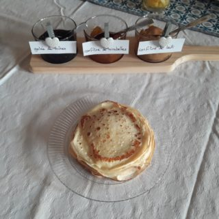 Candlemas in the bed and breakfast au cœur des elements with crepes and homemade jams