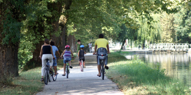 Cycling path located along the Canal des 2 mers