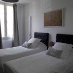 Chambre d'hotes avec deux lits séparés